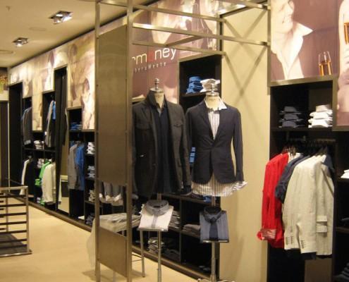 Sirmoney Abbigliamento - Allestimento Punto Vendita Roma interno
